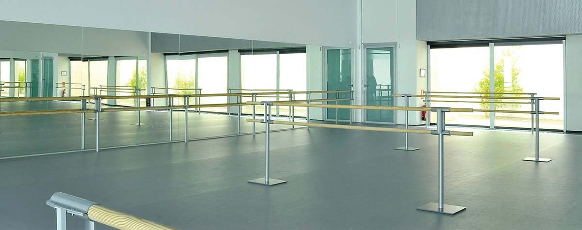 stagestep-floor-railings